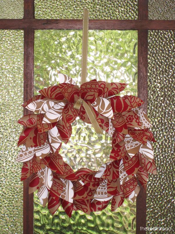 TheRedThread_Wreath1_door1
